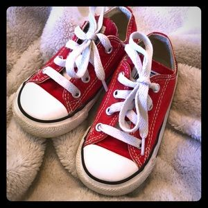 Toddler converse size 7 red